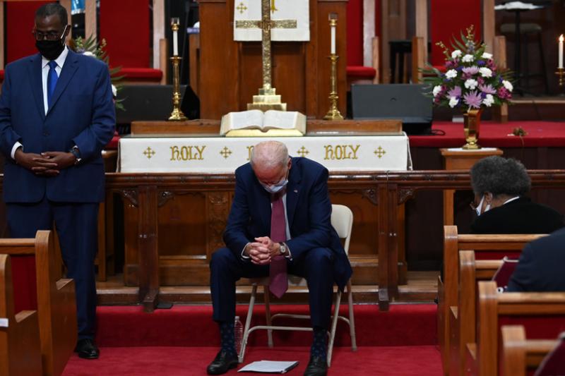 作為天主教徒的拜登總統在政治和信仰之間尋求平衡。(BBC中文網)