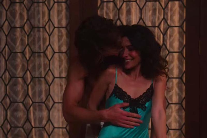 「幸福」與「性福」該如何取捨?Netflix限制級影集《性/生活》揭露了婚姻中最現實的問題。(圖/翻攝自Netflix)