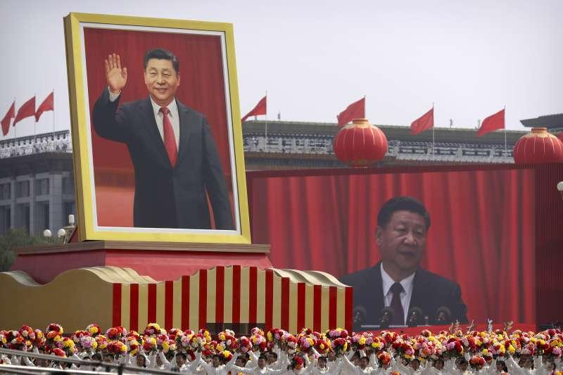 習近平時代,中國社會對領導人的個人崇拜達到新高點(AP)