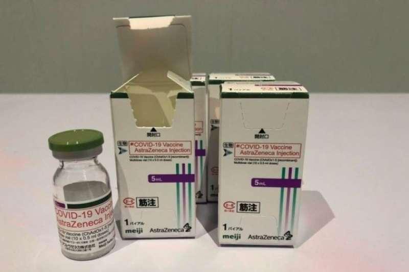 日本援贈疫苗包裝左下角有Meiji的字樣,因為冷鏈是由明治提供。(食藥署提供)