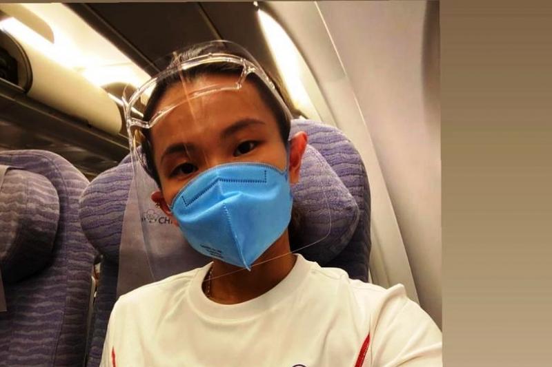 網球國手戴資穎19日搭乘飛往東京的奧運專機時,在IG發一則:「好懷念長榮航空,可以搭商務艙」,掀起一場「官員商務艙,選手經濟艙」的政治道歉風暴。(翻攝自戴資穎IG)