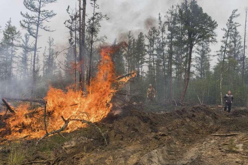 俄羅斯西伯利亞薩哈自治共和國的森林大火已經延燒多日(美聯社)