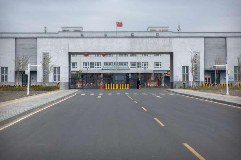 美聯社今年4月獲中國政府批准進入「烏魯木齊市第三看守所」內部實際參訪(AP)