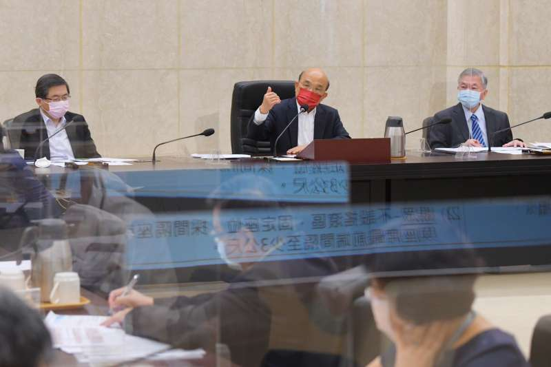 行政院長蘇貞昌表示,將請行政院秘書長李孟諺在本週邀集相關部會,盤點管制措施執行狀況,研議10日後是否可進一步適度鬆綁相關管制措施。(行政院提供)
