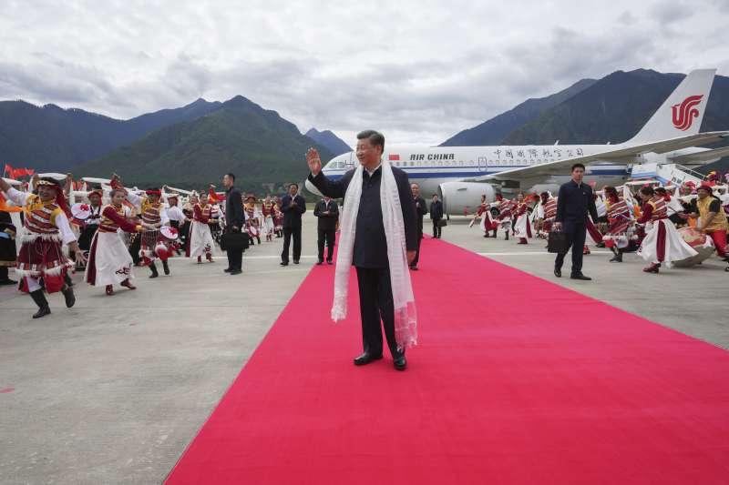 2021年7月,習近平赴西藏考察(AP)