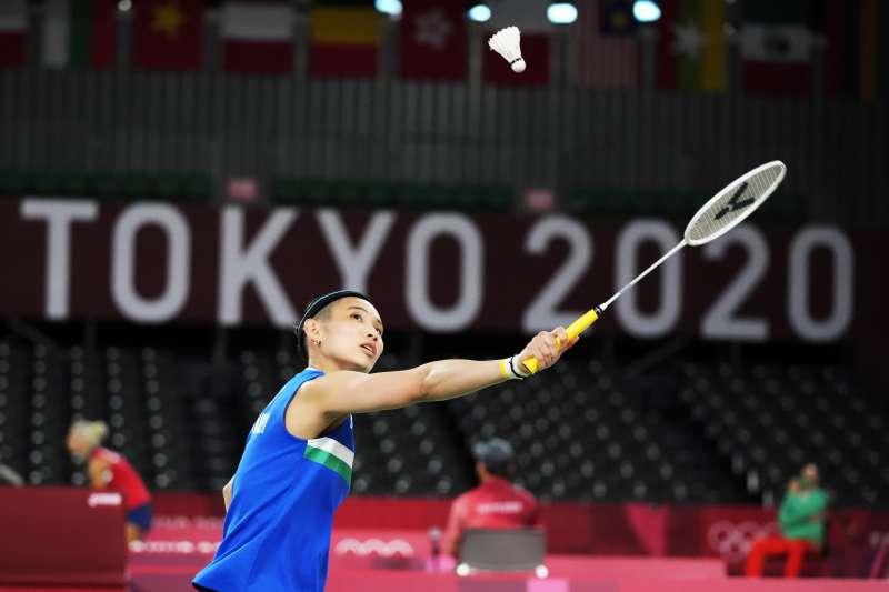 羽球世界球后戴資穎(見圖)24日東奧首次出戰,順利擊敗瑞士選手賈奎特(Sabrina Jaquet)。(美聯社)