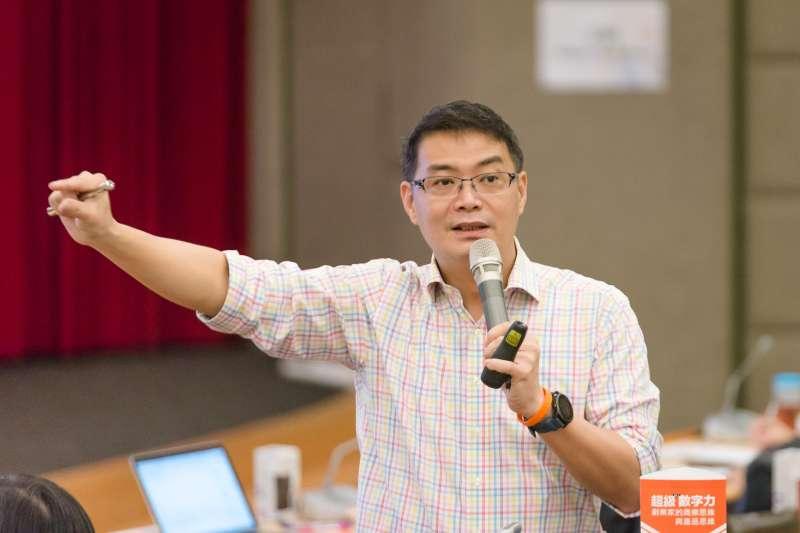 知名講師林明樟健康曾亮起紅燈,促使他成立保健食品「GA 黃金甲」(圖片來源:林明樟Facebook)