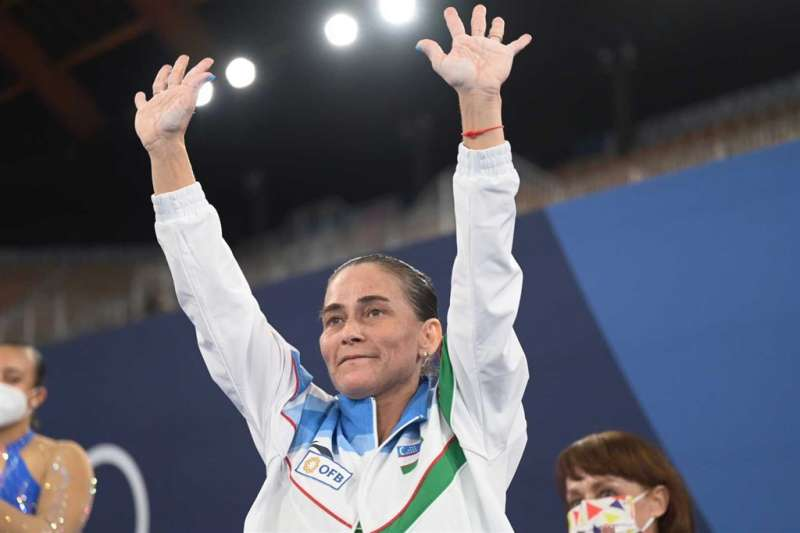 46歲烏茲別克體操女將丘索維金娜告別最後一屆奧運。(圖/取自twitter.com/gymnastics)