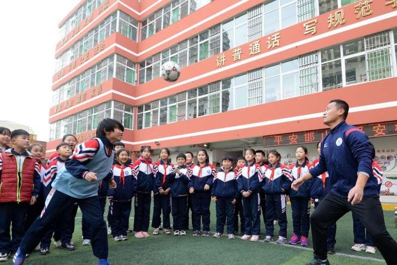 中國教育培訓行業迎來「黑色星期五」(BBC)
