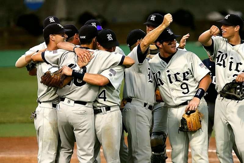 國外的棒球、籃球盛行,許多台灣球迷也非常關注賽事,希平方也特別整理了11個超實用的看球英文。(圖/取自Pexels)