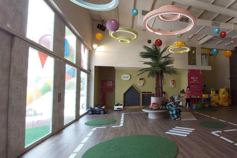 騎士堡跨足建置大型社區兒童遊戲室長達10多年,從社區公設到接待中心都有與國內指標建商攜手合作。(圖/騎士堡提供)