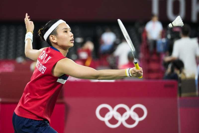世界球后戴資穎(見圖)28日在2020東京奧運羽球女單小組賽擊敗法國籍華裔選手齊雪霏,以3連勝拿下分組第1提前晉級8強。(美聯社)