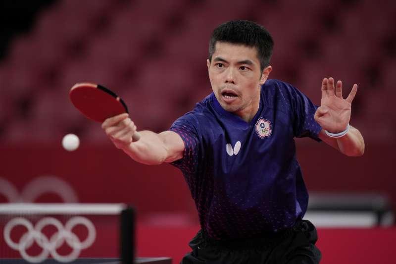 「桌球教父」莊智淵以40歲之齡拚戰東京奧運,贏得所有台灣人的尊敬。(資料照,美聯社)