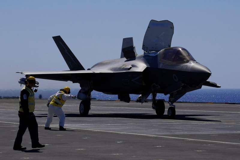 洛克希德-馬丁問題重重的F-35戰鬥機的訂單將從2021年的96架減少到85架。(AP)