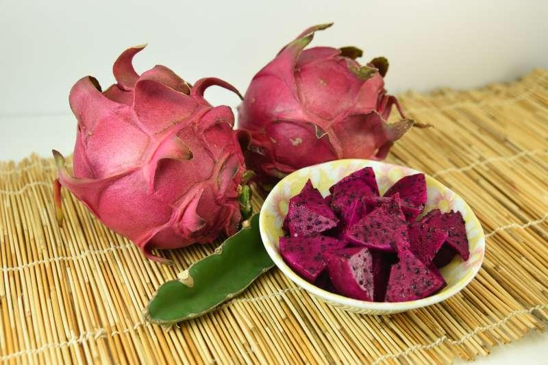 火龍果盛產季節長、營養價值豐富,是夏季水果的優良選擇。(圖/行政院農委會台南場網站提供)
