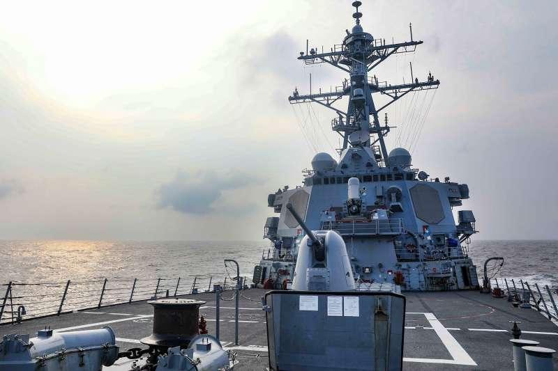 美艦「班福特號」例行性通過台灣海峽。(取自U.S. Pacific Fleet臉書)
