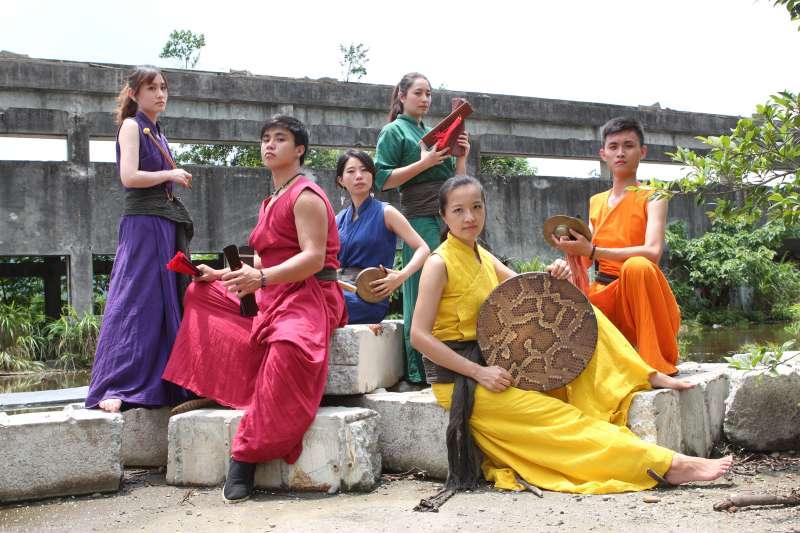 「鼓舞祭」本週六日的表演團隊包括以傳統擊樂素材結合現代創作手法的「紘采樂集」。(圖/新北市文化局提供)