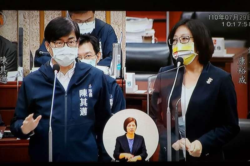 高雄市議員康裕成促加速推動民族社區更新。(圖/徐炳文翻攝)
