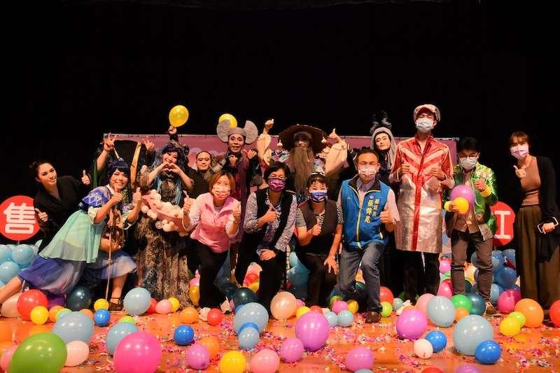 彰化縣長王惠美參加「2021彰化劇場藝術節PLUS」活動記者會,宣告9/5至10/16於員林演藝廳登場,由7組國內優質表演團隊帶來6檔好戲及1場免費戶外音樂會。(圖/彰化縣政府提供)