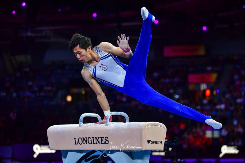 體操好手李智凱挑戰鞍馬項目「湯瑪士迴旋」,不慎手滑失誤,作家吳淡如留言表達鼓勵。(資料照,取自Bildermacher-Sport Jens Körner臉書)