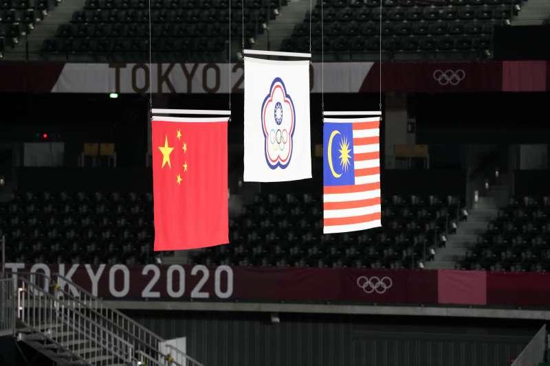 2021年7月31日,東京奧運,台灣羽球男子雙打王齊麟、李洋擊敗中國對手,奪下金牌(AP)