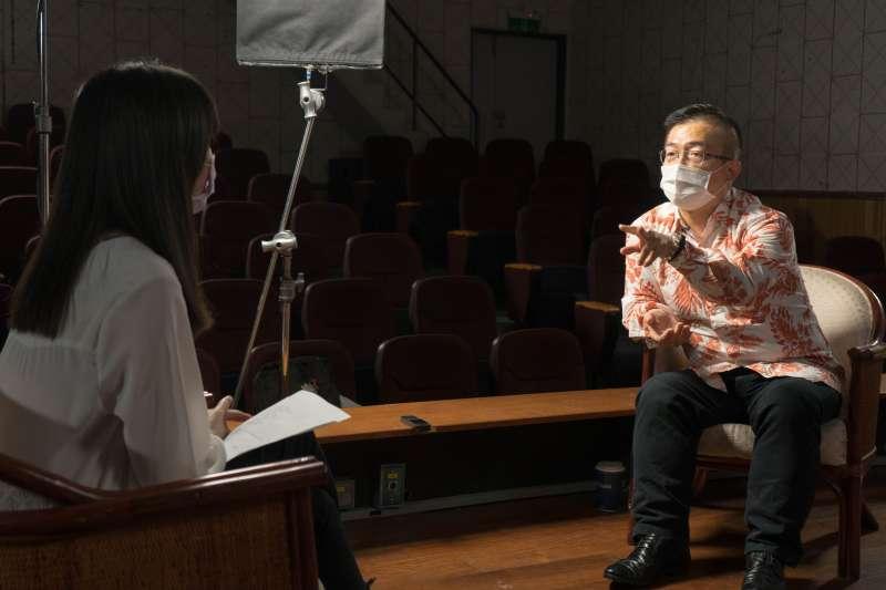 資深電影人姚經玉(右)大方分享國片行銷、監製經驗。(圖/新北市新聞局提供)