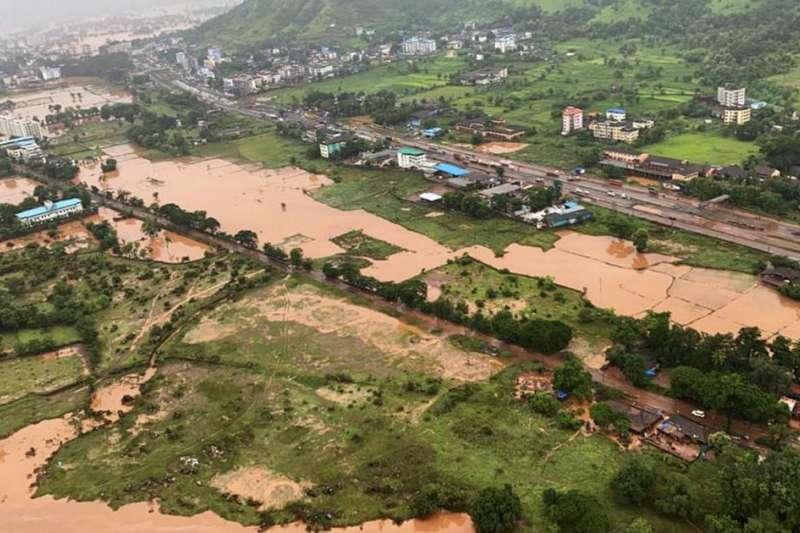 全球暖化帶來極端降雨,洪災造成更多生命財產損失。(截自推特)