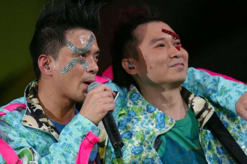 黃耀明(左)與劉以達(右)組成「達明一派」,風靡一時。(BBC中文網)