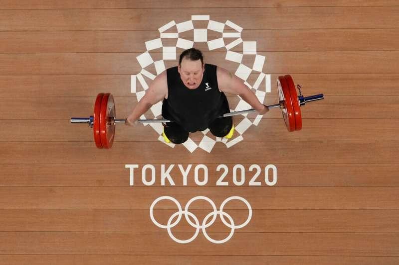 奧運史上首位跨性別參賽者、紐西蘭的女子87公斤級舉重選手哈伯德(Laurel Hubbard),自參賽以來就飽受謾罵(AP)