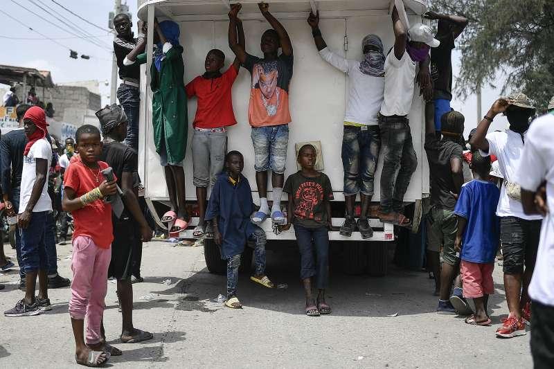 海地年輕人(AP)