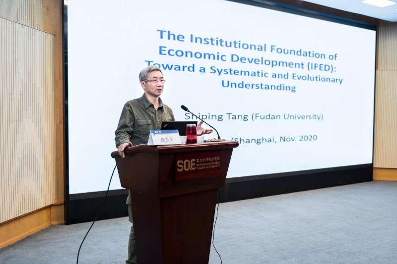 上海復旦大學教授唐世平更是在著名學術期刊Security Studies表示,國家領導人若是在國際政治上如此的注重「名譽」,那麼就是把國際政治當成國內政治在玩,所謂的信用、道德、名聲的確在國內政治中扮演非常重要的角色。(作者提供)