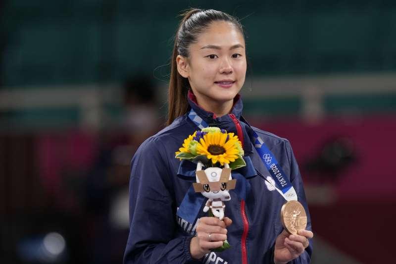 2021年8月5日,東京奧運,台灣代表隊空手道選手文姿云勇奪銅牌(AP)