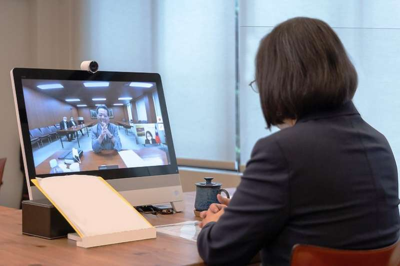 總統蔡英文(右)20日與日本眾議院議員高市早苗進行視訊會談。示意圖。(資料照,總統府提供)