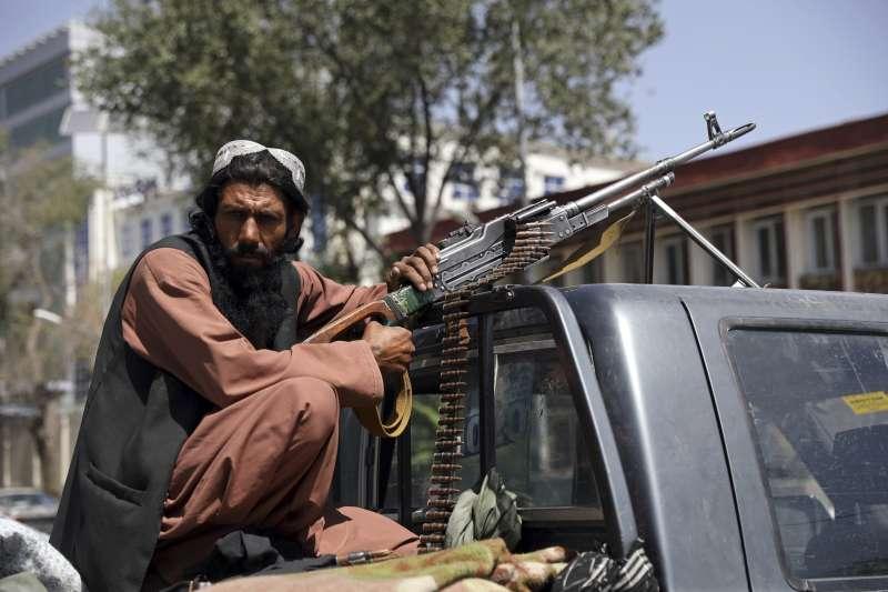2021年8月15日,阿富汗神學士(Taliban)游擊隊攻陷首都喀布爾(AP)