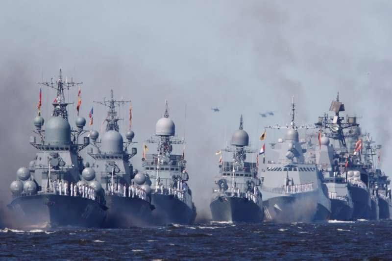 美軍面對強大的俄羅斯海軍,選擇不進入克里米亞12海浬。(作者提供)