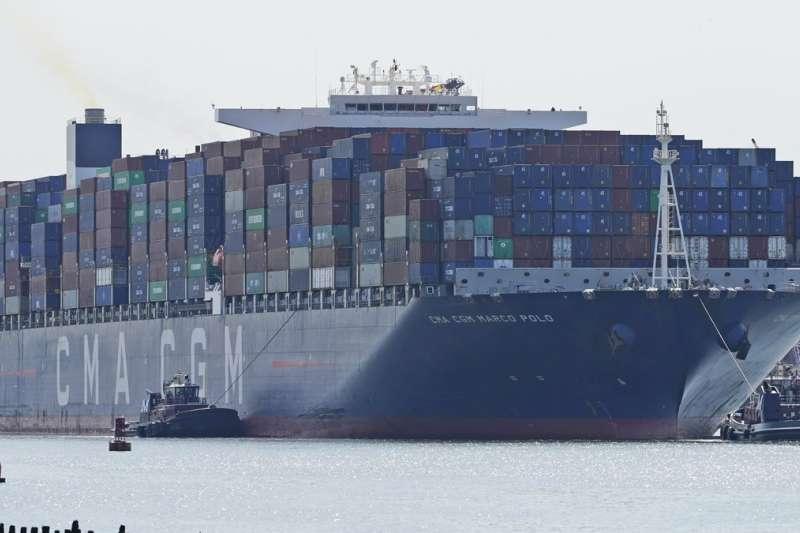 新冠疫情在全世界肆虐超過1年半,各國船期延誤、缺櫃、塞港等情況一直未能緩解,運輸成本飛漲(美聯社)