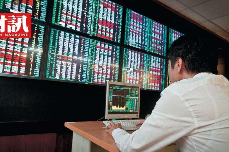 大量當沖客湧入股市,一方面帶動市場活絡,另一方面也增加風險失控的隱憂。(圖/財訊雙週刊)