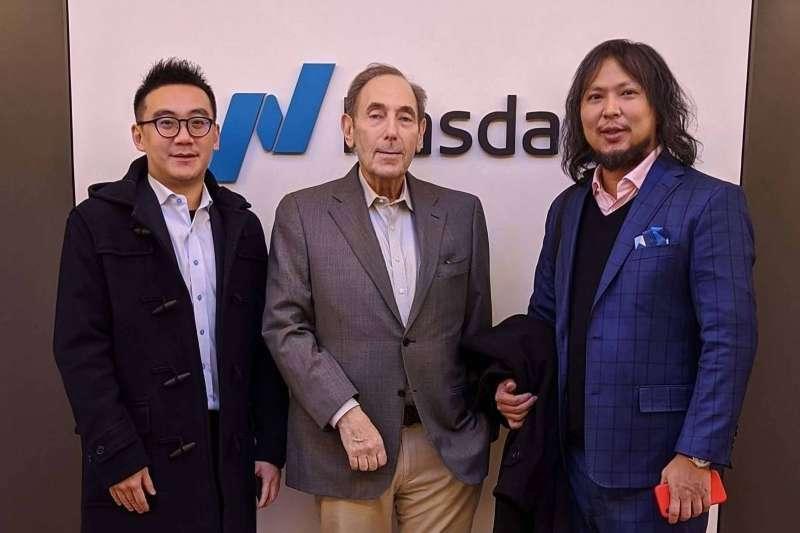 奧丁丁執行長王俊凱(右起)、那斯達克前副主席Meyer S. Frucher、奧丁丁財務長鄭弘藝合影。(奧丁丁提供)
