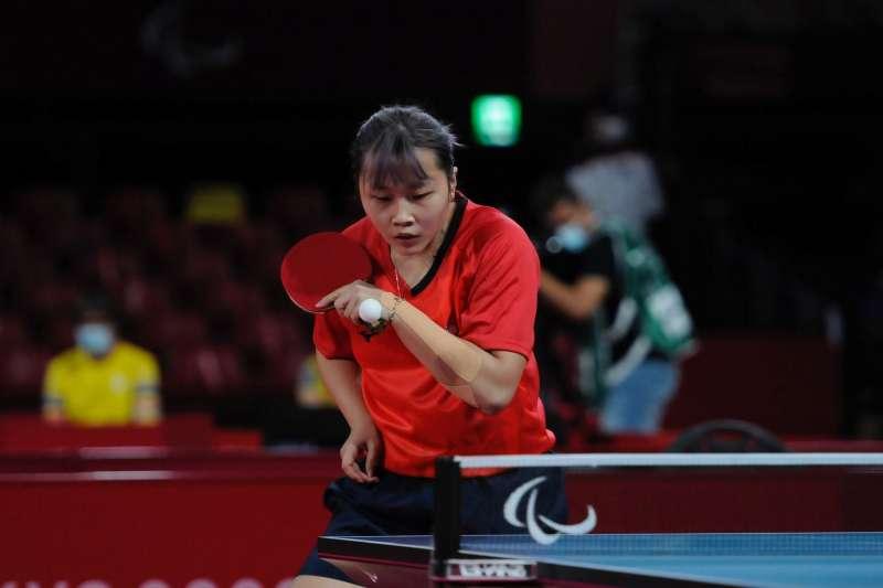 桌球好手田曉雯28日拿下東京帕運女子單打TT10級銅牌。(取自體育署「I運動」臉書)