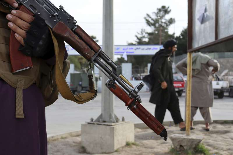 美軍全面撤出阿富汗,人道危機隱憂浮上檯面。(美聯社)