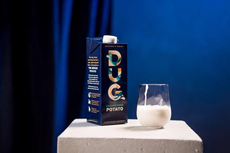 來自瑞典的植物奶公司推出全球第一款「馬鈴薯奶」。(圖/取自DUG Drinks粉絲專頁)