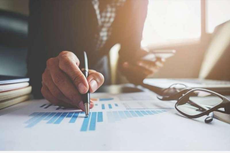 元大高股息ETF規模逼近877億,為投資人籌備退休金第一選擇。圖/freepik
