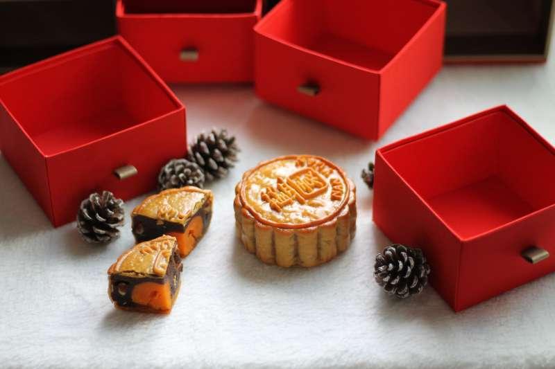 中秋送禮首選月餅,不過月餅口味繁多,難免會遇到自己不喜歡的口味。(示意圖/取自Pexels)
