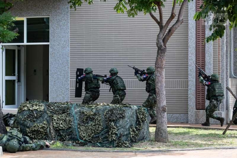 20210914-漢光37號演習實兵演練第2天,憲兵202指揮部上午實施「國家關鍵基礎設施防護演練」。(軍聞社提供)