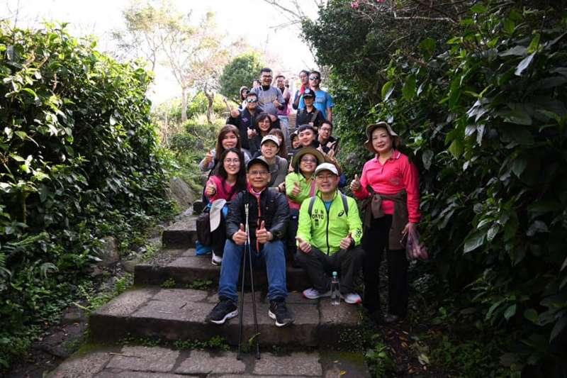 立法院長游錫堃以60歲之姿才開始培養爬山習慣。(取自游錫堃臉書)