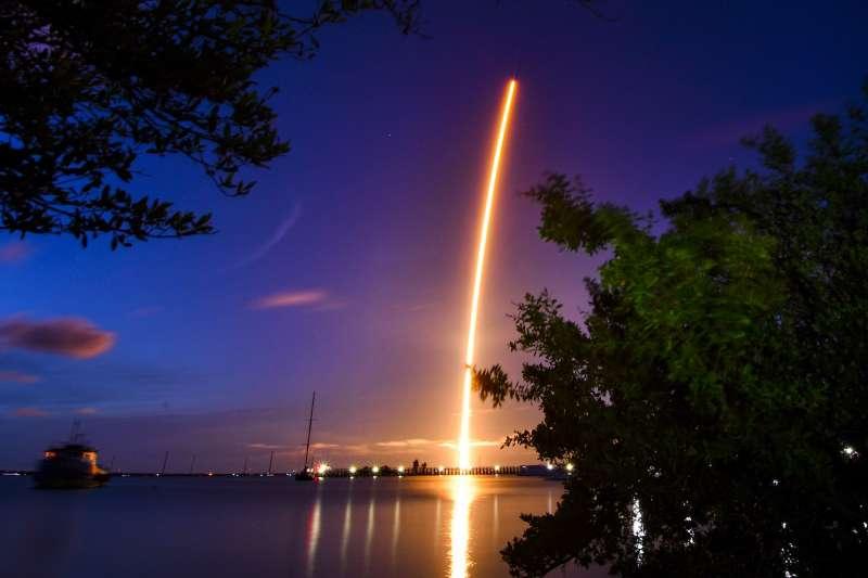9月15日,美國太空探索(SpaceX)全平民太空旅遊項目「Inspiration4」成功展開。(AP)
