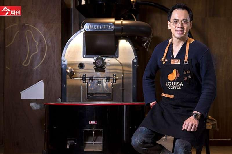路易莎在星巴克、85度C等眾多咖啡品牌包圍中抓住商機,圖為創辦人黃銘賢。(圖片來源:今周刊)