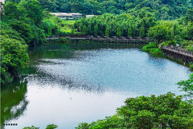 「天映湖」以面迎金龍湖之首。(圖/富比士地產王)