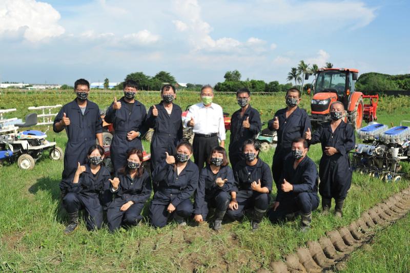 「好農無限+」平台之代耕資訊,讓有需要的農友能透過平台找到鄰近的代耕業者。(圖/高市府農業局提供)