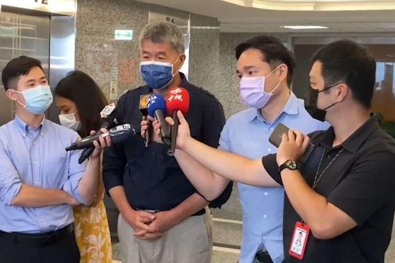孫文學校總校長張亞中17日接受媒體訪問。(張亞中辦公室提供)